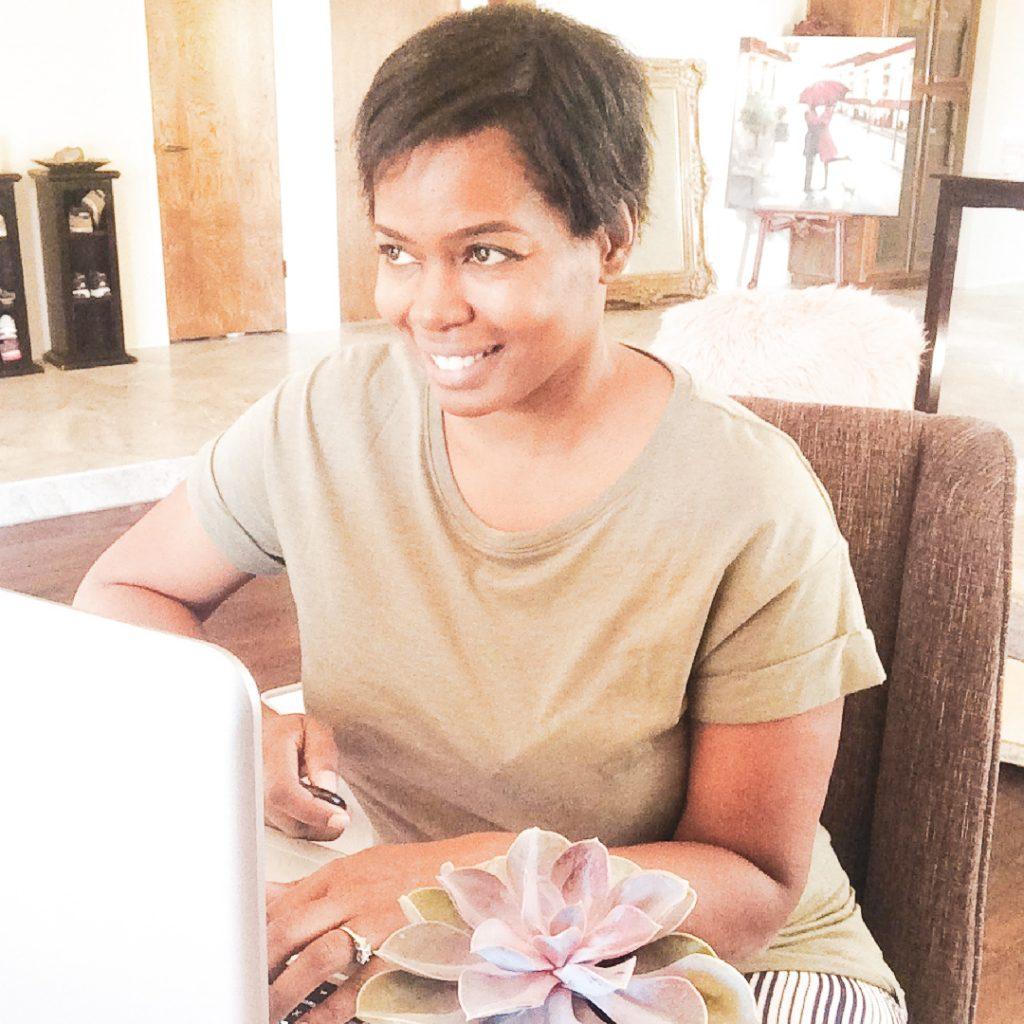 Lola Celeste Branding and Social Media Strategist from San Diego